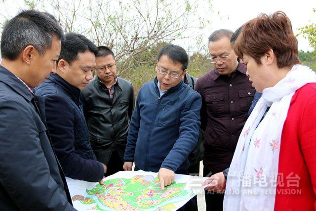 吴明禹到梓州产城新区现场办公