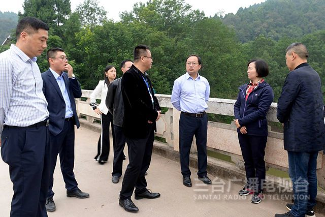 马辉督导郪江河河长制和环境保护